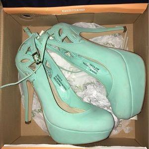 Shoes - Mint green pumps