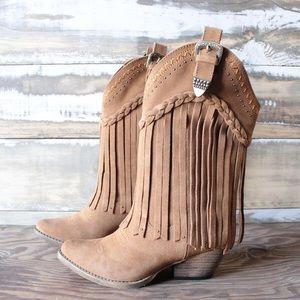 NIB Very Volatile Western Fringe Boots