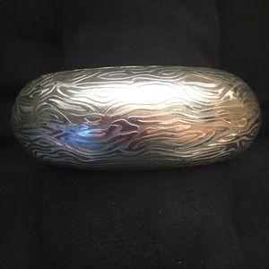 Jewelry - No tarnish! Silver bangle bracelet