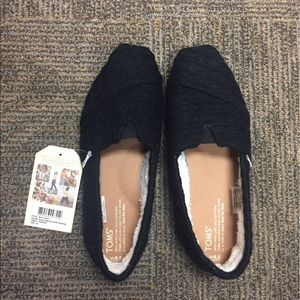 TOMS Shoes - NWT Toms Classic black cable knit shoes