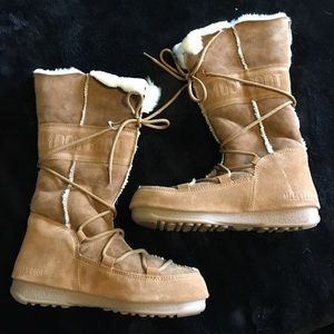 Tecnica Shoes - Original Moon boots, can be worn tall or short