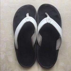 OluKai Shoes - Olukai Ohana flip flops - size US 7 / EU 37