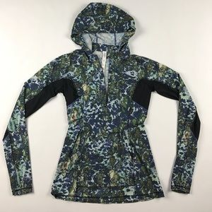 lululemon athletica Sweaters - Rare Print Size 4 Lululemon Run Beam Hoodie