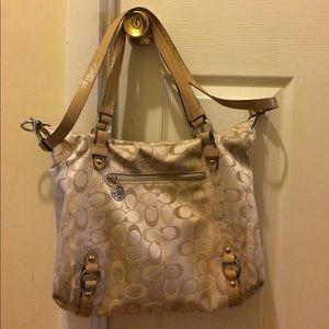Coach Handbags - Classic CC Coach shoulder handbag