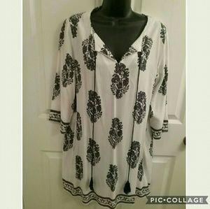 Entro Dresses & Skirts - Entro Black And White Dress