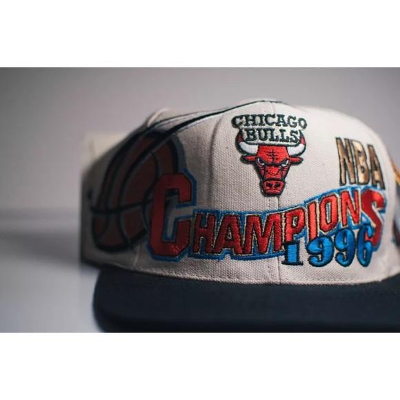 487e7907bea CHICAGO BULLS 1997 NBA CHAMPIONS SNAPBACK OFFICIAL
