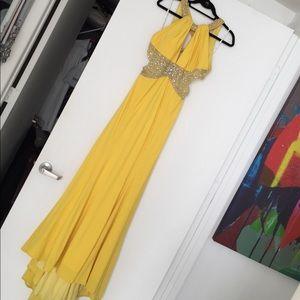 Camilla Dresses & Skirts - GORGEOUS DRESS