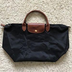 Longchamp Handbags - FIRM 🎯🎩 Longchamp Le Pliage Large Short Handles