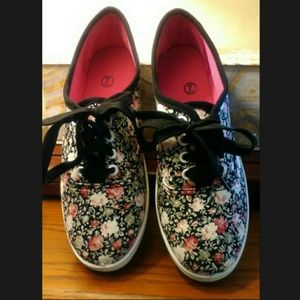 Unbranded Shoes - Floral Print Canvas Sneakers     Like New