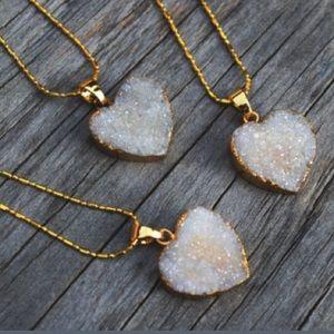🚨1 HOUR SALE🚨 Beautiful Druzzy necklace