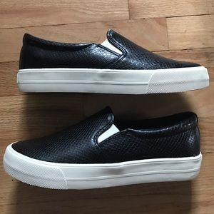 American Eagle Outfitters Shoes - American Eagle Black platform slip on sneakers