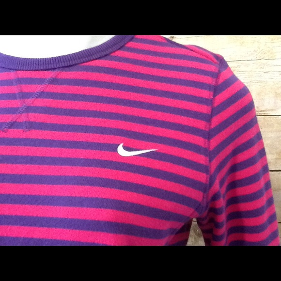 Nike Nike The Athletic Dept Striped Sweatshirt from 886bfc3bcf