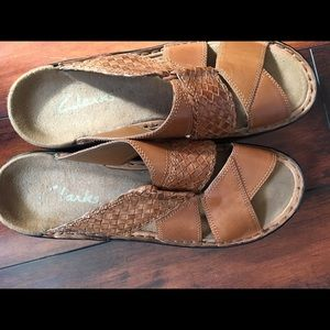 Clark's leather sandals size 8