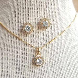 Yellow gold halo earring necklace set