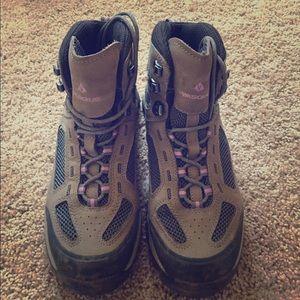 Vasque Shoes - Vasque hiking boots