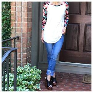 Tops - Floral raglan sleeves