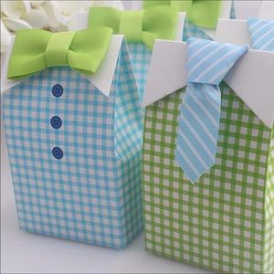 Blue and green favor boxes