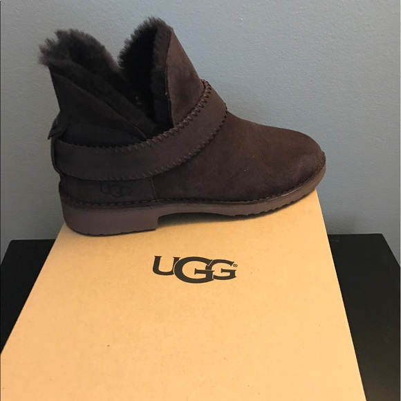 6940b7e6879 New, UGG McKay Boots, Chocolate, Sz 8