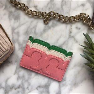 Tory Burch Handbags - Tory Burch•Scallop T Card Carrier