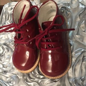 Josmo Other - Josmo Red Patent Leather Croc Walking shoes
