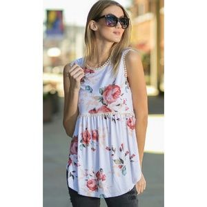 M, L Floral print sleeveless top with crochet edge