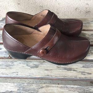 Dansko Shoes - Dansko brown button clog size 40