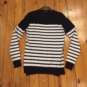 Sweaters - Lightweight Sweater