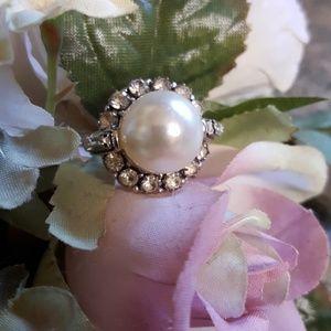 Vintage Rhinestone Pearl Ring