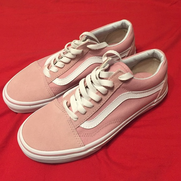 e9122f874b9d34 Old school pink low-top vans w  white stripes. M 59276e32680278531101933f