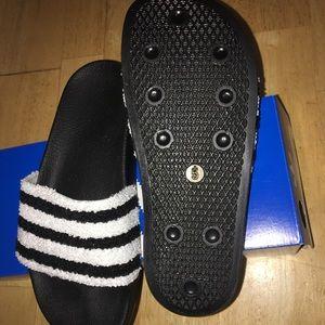 online retailer 348bc a768a ... adidas Shoes - Men ADILETTE SLIDE SANDAL SIZE 5 WOMEN 6-6.5 super cheap  dd8cc adidas Cloudfoam ...