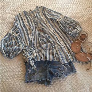 chicwish Tops - Chicwish boho pheasant blouse