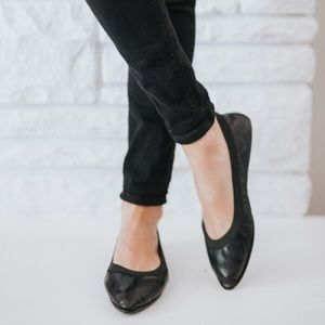 Yosi Samra Shoes - Yosi Samra flats - Vienna Capri Leather In Black
