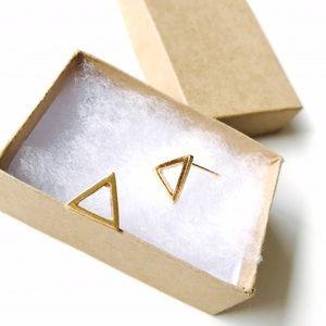 Bondhu Jewelry - 🌺 Minimalist Triangle Earrings