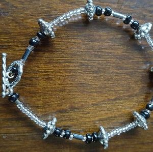 Jewelry - Hand crafted beaded bracelet