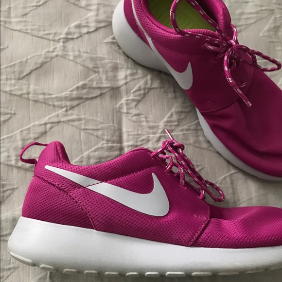 38 nike shoes nike pink gray roshe running athletic