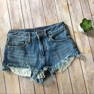 Kendall & Kylie Pants - Kendall & Kylie High Rise Jean shorts size 1