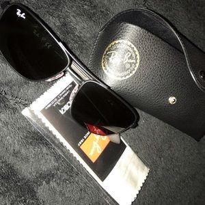 Ray-Ban Other - Ray ban sunglasses