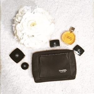 CHANEL Other - CHANEL makeup case