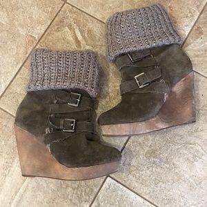 Naughty Monkey Wedge Boots Size 7.5