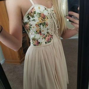 Mustard Seed Dresses & Skirts - 💥NWOT tulle skirt & rose pattern top dress