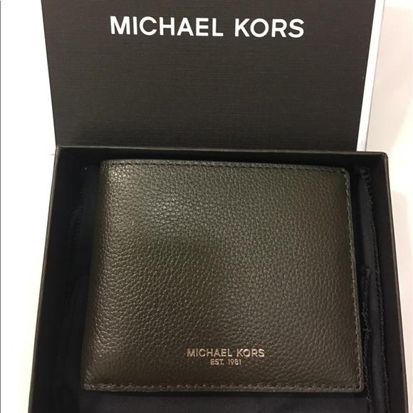 6e3e6066e69036 Michael Kors Bags | Firm Price Bryant Bifold Wallet | Poshmark