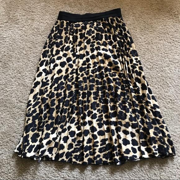 efe280cdd8 Zara Basic Leopard Print Pleated Skirt. M_5927b773d14d7bc47c0526ce