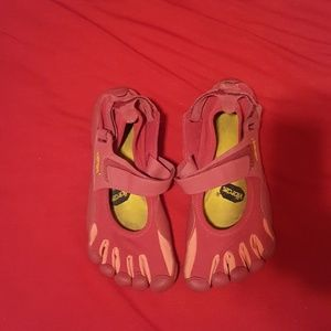 Vibram Shoes - Vibram 5 fingers five fingers OFFERS WELCOME!