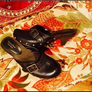 Vera Wang Shoes - Vera Wang Leather Mule Clogs....Simply Vera