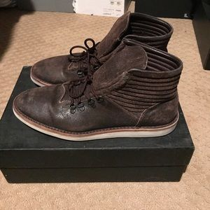 Raparo Other - Raparo distressed boots