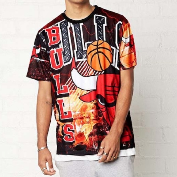 f2a7ab4cbbbcc Forever 21 Other - Forever 21 Men s NBA Chicago Bulls Graphic Tee