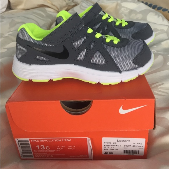 d61b6e669f43 MDW SALE!! BNWT Nike Revolution boys sneakers