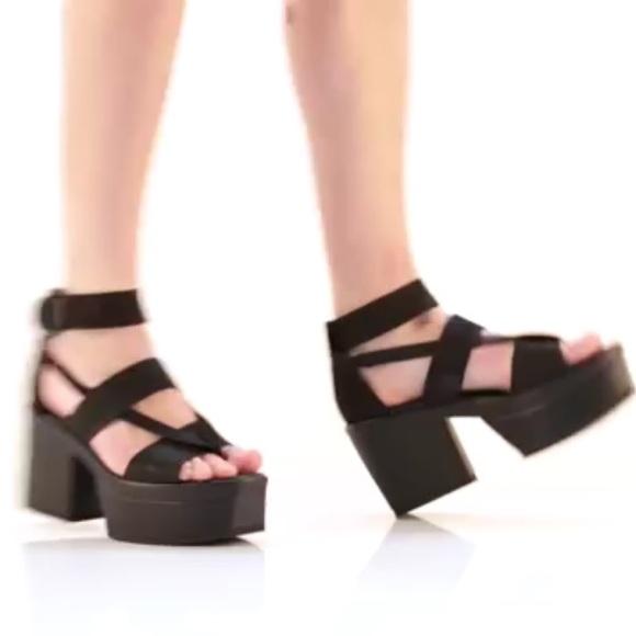 5a1dcc42948 Vagabond Avery Chunky Platform Sandals. M 5928472c4127d0f35b06239d