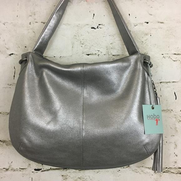 2324ede713a25 HOBO VALE SHOULDER BAG 🎊