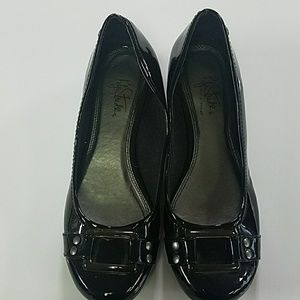 Life stride shoes . size 8.5